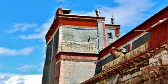 萨迦寺内的四大珍宝墙