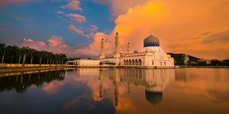 邂逅最美水上清真寺