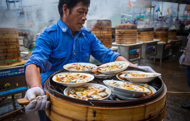 实拍:浙江第一渔村千人海鲜宴