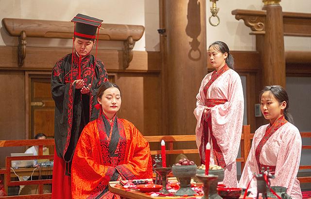 在东方圣城,邂逅最传统的中式婚礼