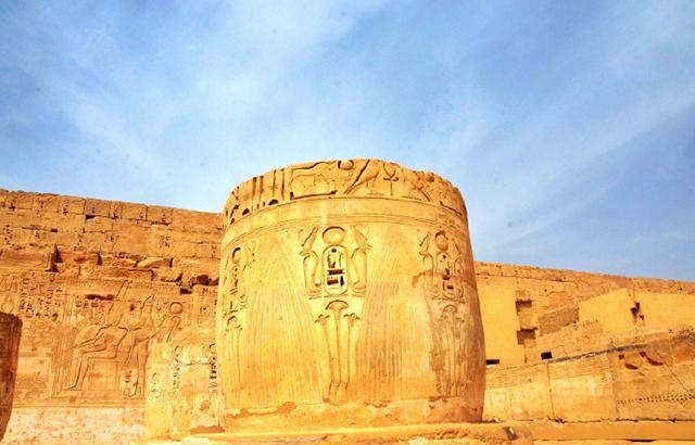 """埃及哈布城,探访古埃及文化的""""活化石"""""""