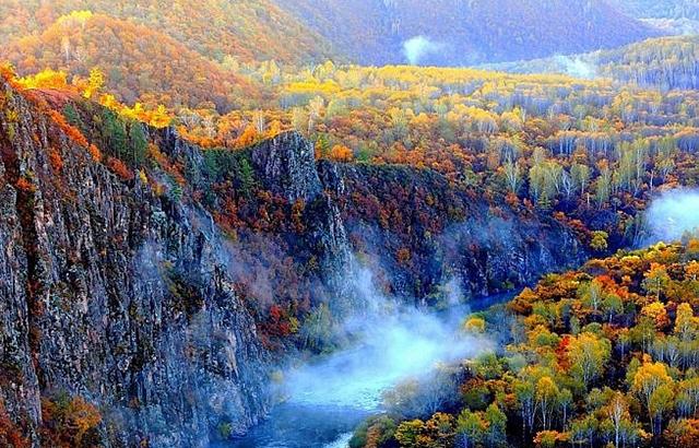 有一种炫美的秋天,叫黑龙江的五花山色