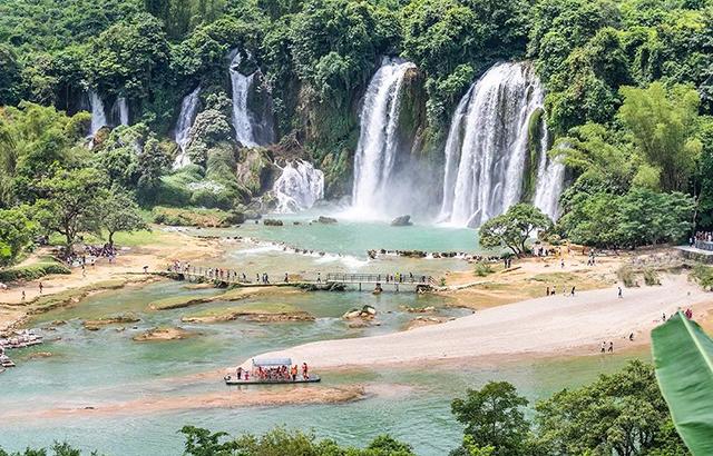 《花千骨》取景地,成亚洲最大跨国瀑布
