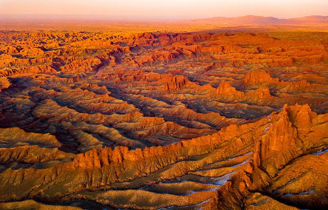 航拍張掖大峽谷,帶你俯瞰地球最野性之美