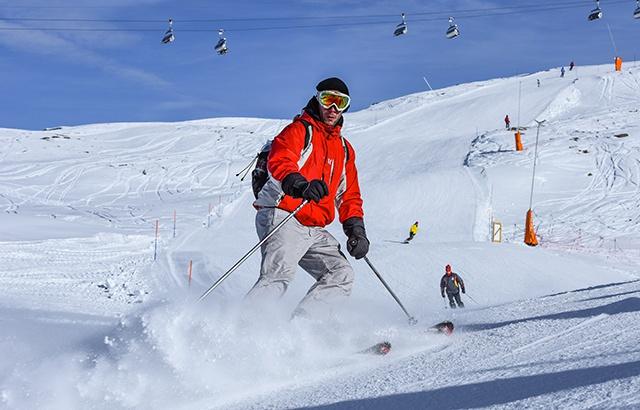 美如仙境!实拍全球富豪的滑雪天堂