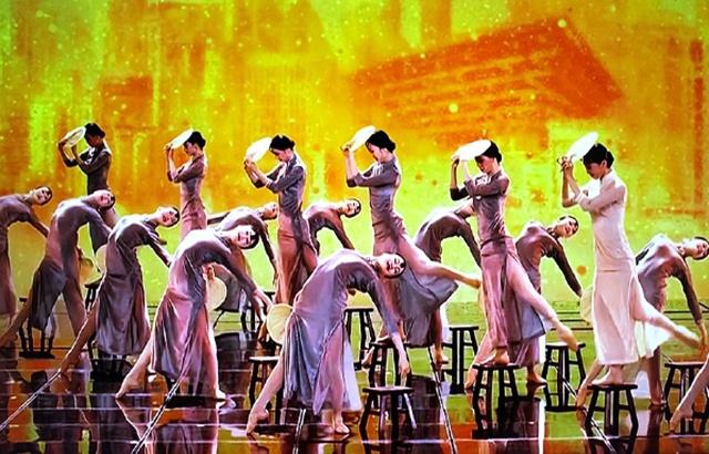 舞蹈《晨光曲》惊艳春晚舞台