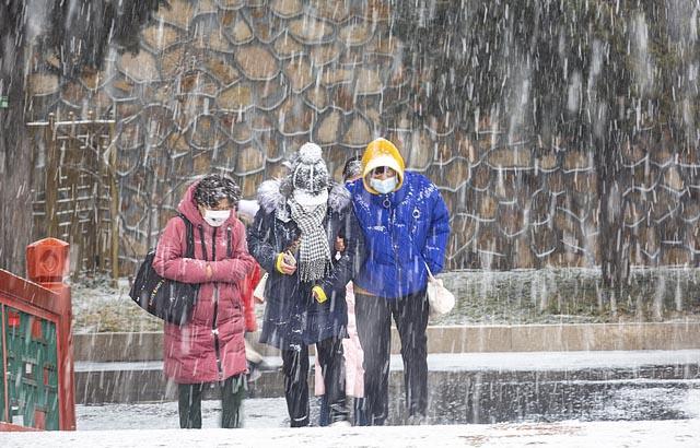 实拍:立春之后京城飘雪