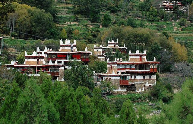 宛若油画!中国最美乡村丹巴藏寨