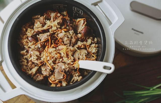 花菇排骨煲饭,好菜好饭一锅端