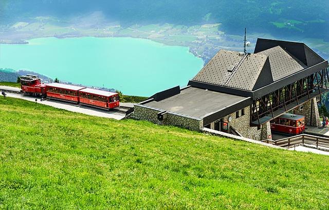 駛向人間仙境的奧地利高山小火車