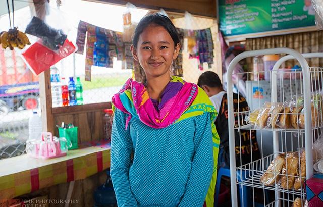 紀實攝影:一個普通印尼女孩的真實生活