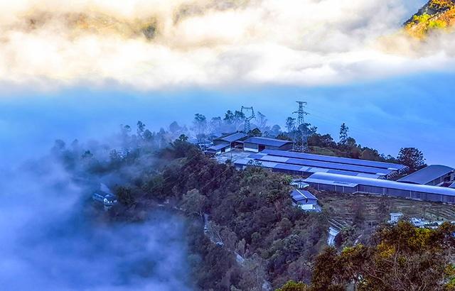 中国最美乡村:云端上的原生态怒族村寨