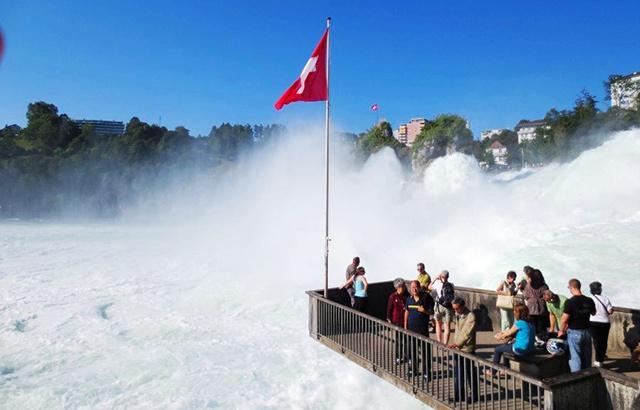 欧洲第一大瀑布,身临其境才知道多震撼