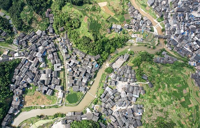 广西侗乡第一寨,八寨相连住户超万人