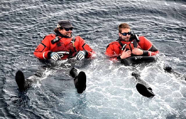 泡在南极半岛的海水里是什么体验