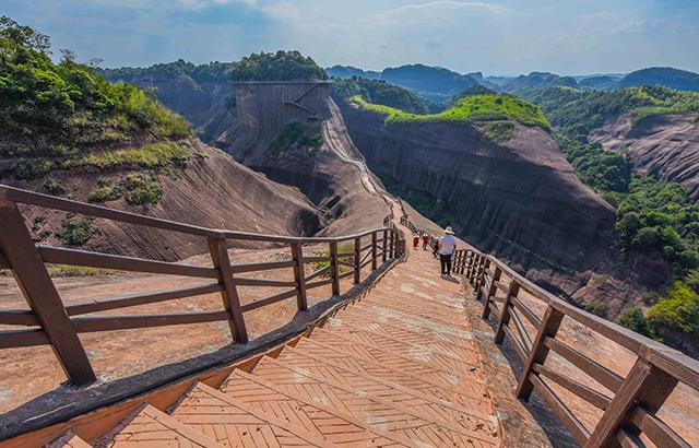 湖南郴州最惊险的丹霞奇景