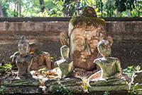 藏在隧道中的泰国寺庙