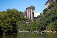 亚洲第一巨石高200米