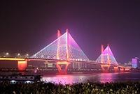 实拍长江两岸灯光秀
