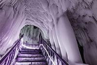 絕無僅有的萬年冰洞