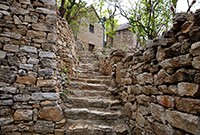 一座古老神秘的石頭村