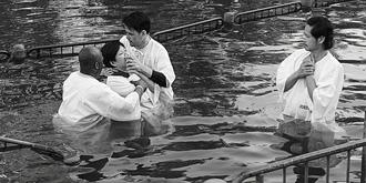 在约旦河洗礼是什么体验