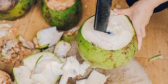 现砍的椰子火锅你吃过吗