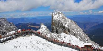 攀登圣洁的玉龙雪山