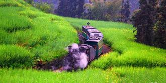 坐上小火车穿越到蒸汽时代