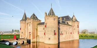 荷兰最美的中世纪城堡