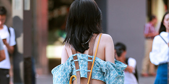 街拍:前卫潮女穿衣个性