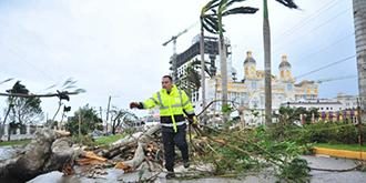台风下的塞班岛