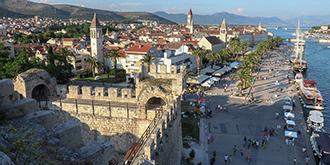 登高俯瞰克罗地亚岛城