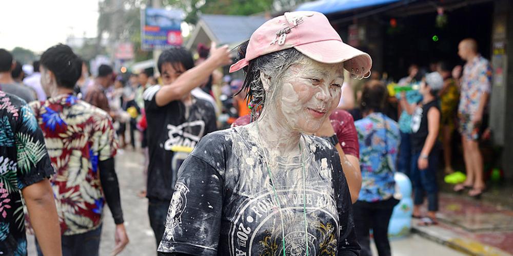 亲历泰国狂热泼水节