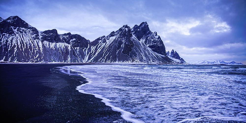 冰岛特有的魔幻黑沙滩