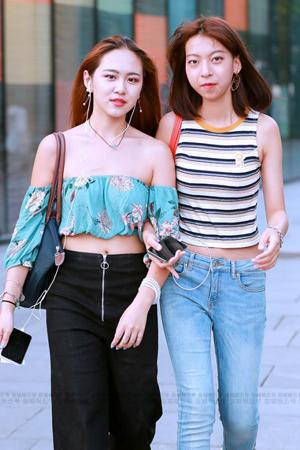 街拍:时髦女孩喜欢这么穿