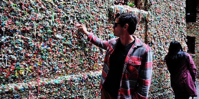 慎入!北美最奇葩的口香糖墙