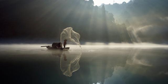 雾漫小东江,恍若仙境