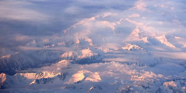 飞跃阿拉斯加