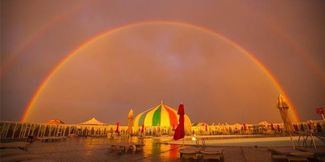 响沙湾遇见彩虹
