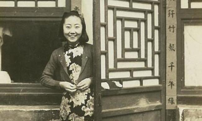 民国被人嘲讽的无袖旗袍在1942年获得正统地位