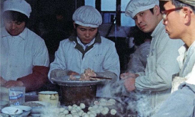 老照片:1986年上海街头
