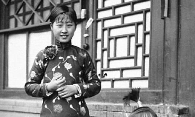 老照片:四十年代初的北京小院生活