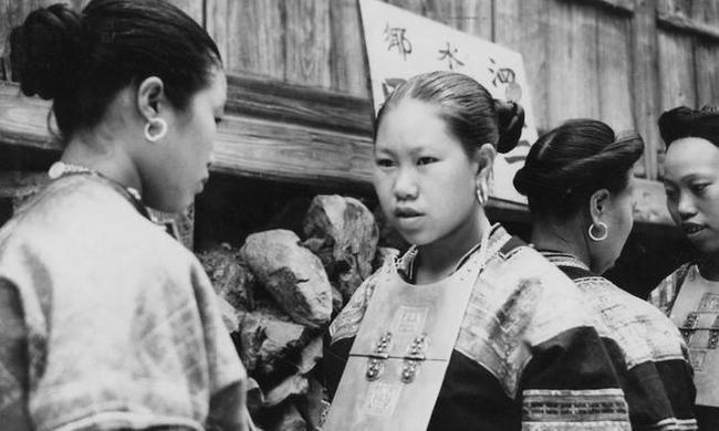 老照片:二十年代桂林地區,彼時各族百姓生活