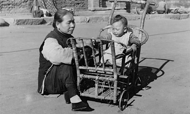 老照片:民国时期的北平胡同生活