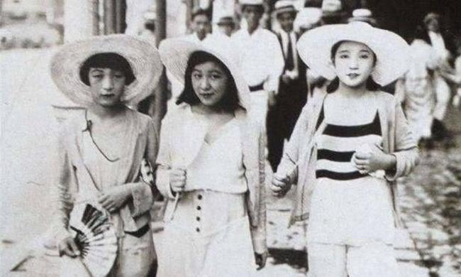 老照片:1930年的日本潮女