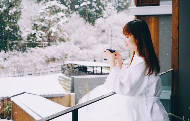 打卡富士山最佳机位,难得一见的樱花雪景