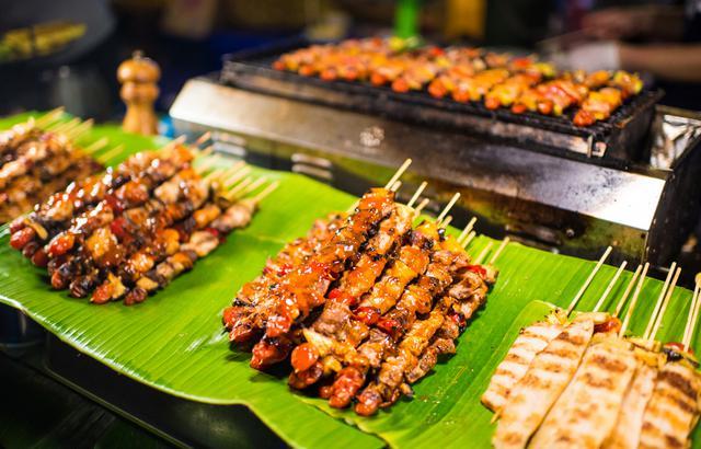 网红火车夜市,曼谷最好吃的小吃都在这里