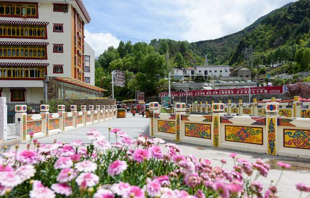 漢藏兩族的分界線,居然是川西一座石拱橋