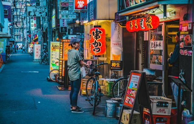 日本道顿堀:大阪最有名的美食街区